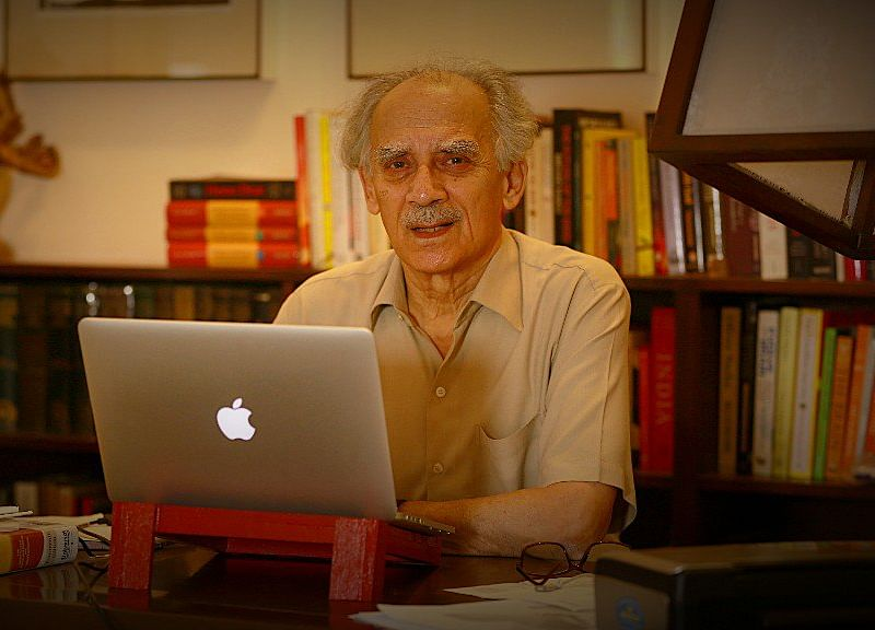 Shourie, Yashwant Sinha, Yogendra Yadav Slam I-T Raid at The Quint