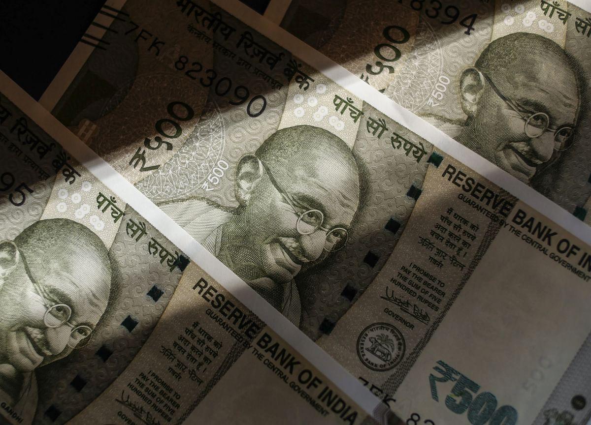 Rupee Worries India's Top Bond Underwriter More Than Deficit