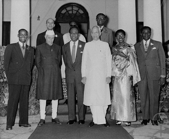 Prime Minister Jawaharlal Nehru and Vice President S. Radhakrishnan with Kwame Nkrume, Prime Minister of Ghana and his wife, in December 1958. (Photograph: Nehru Memorial Museum and Library)