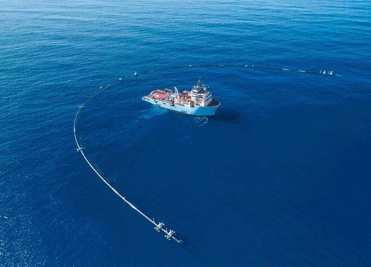 This Thiel-Backed Startup Says It Can Swiffer the Seas. Scientists Have Doubts