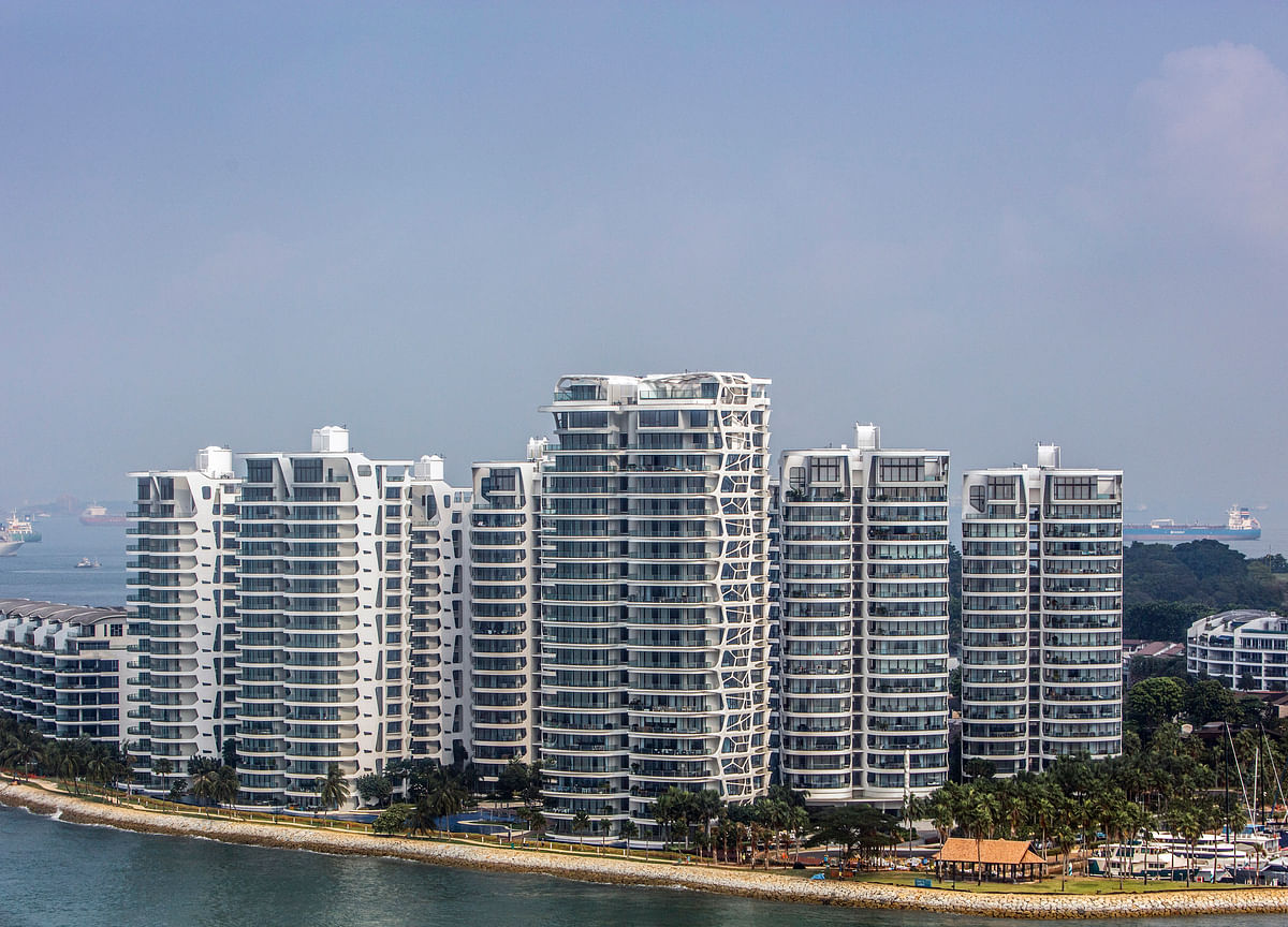 Singapore Ousts Hong Kong as No. 1 for Luxury Home-Price Gains