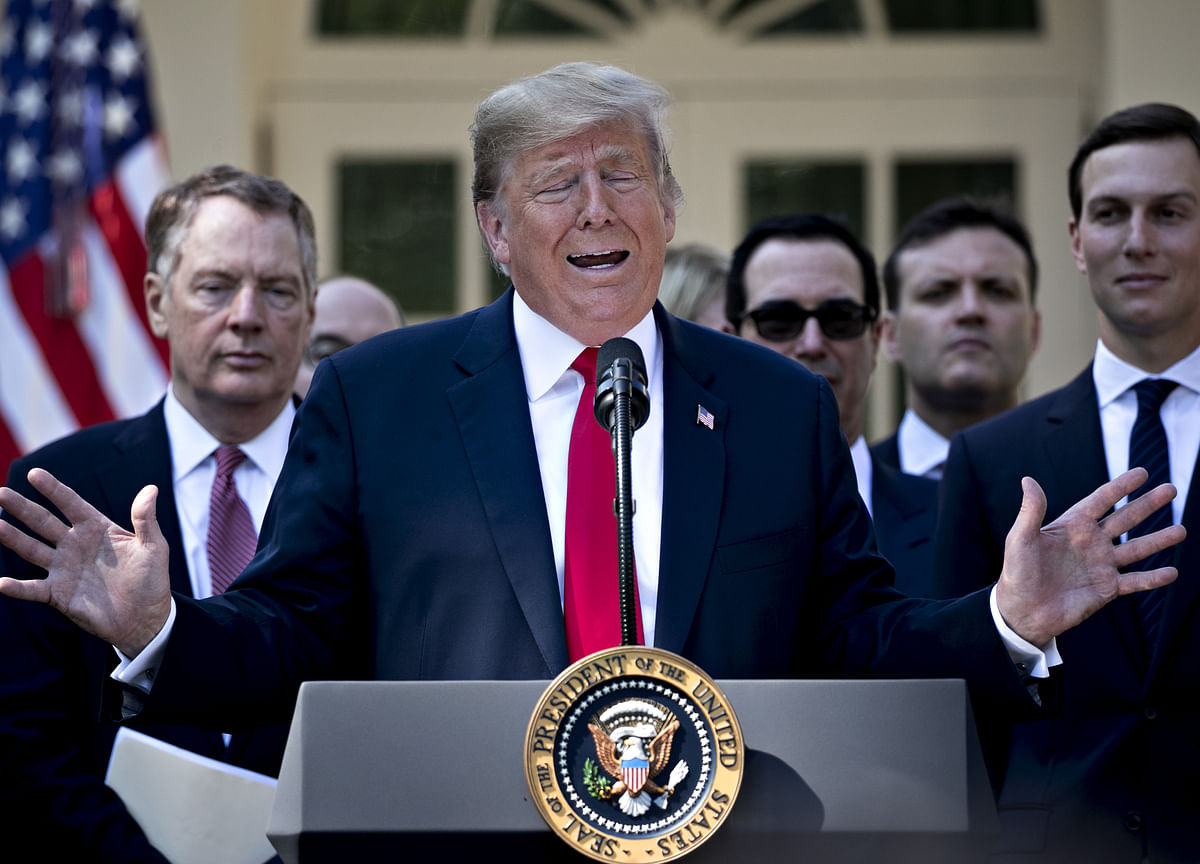 Trump's Mocking of Kavanaugh Accusers Stuns Senators Before Vote