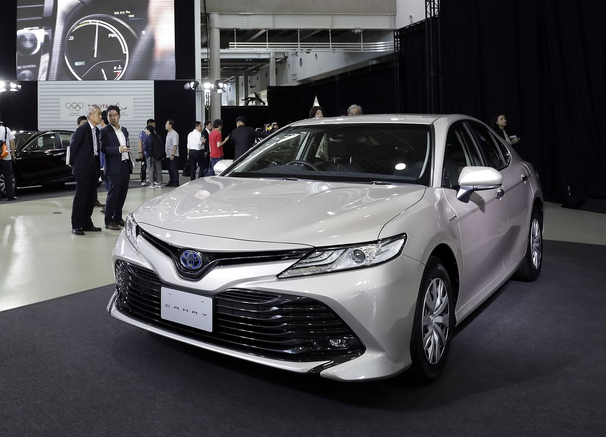 Toyota Slows Camry Production WithU.S. Demand for Sedans Cratering