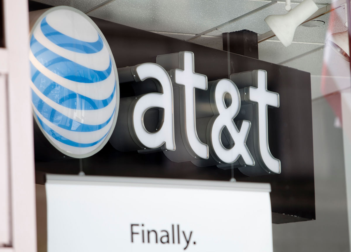 Elliott's $3.2 Billion AT&T Bet Signals 'There Will Be a Fight'