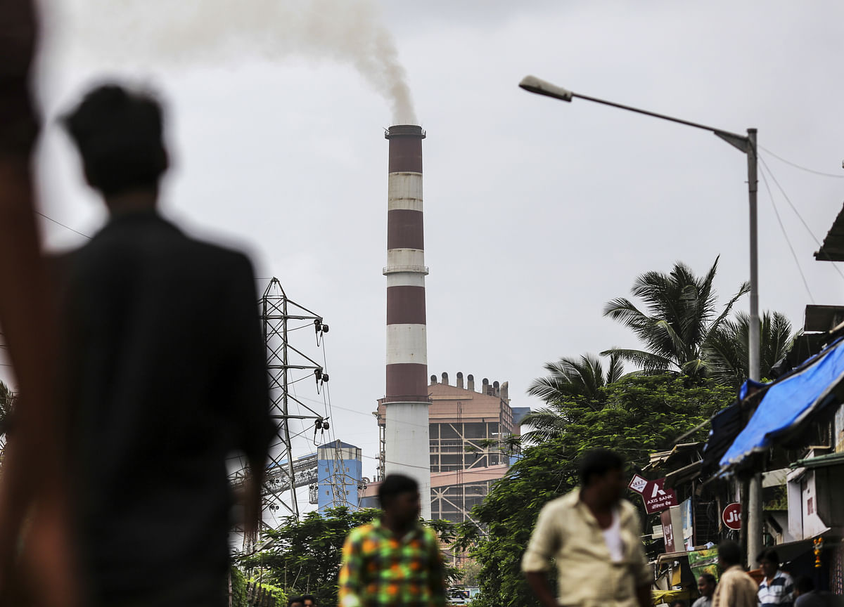 India Considers Merging Two State-Owned Power Lenders