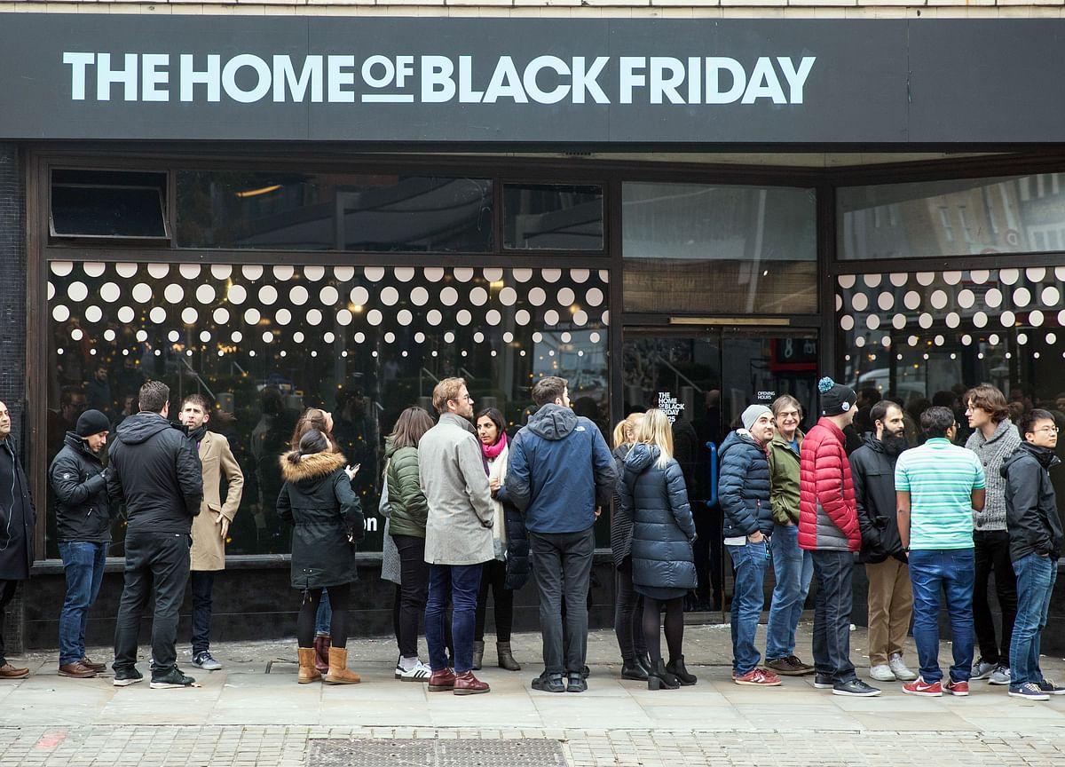 Millennial, Gen Z Shoppers Head to Malls: Black Friday Update