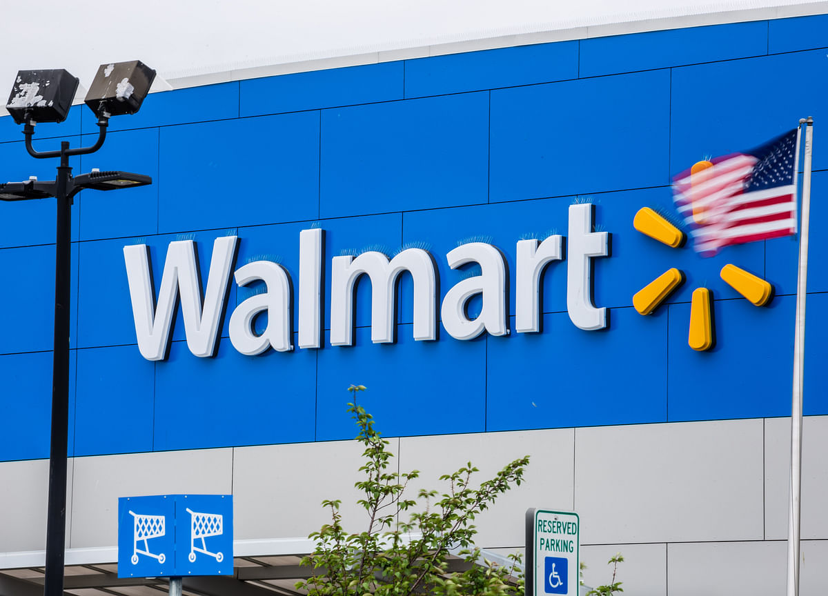 Walmart's Rosy Forecast Not Enough to Meet Raised Expectations
