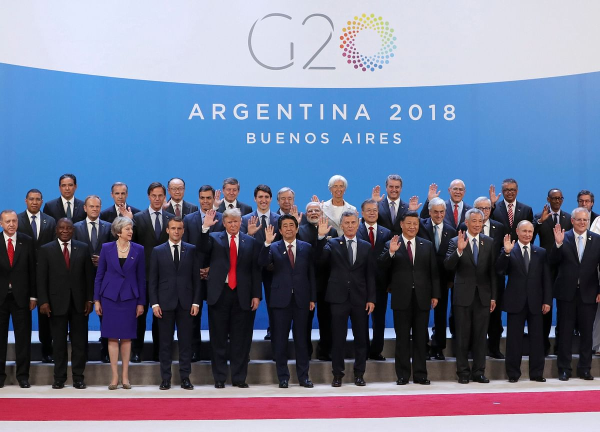 A Family Photo With a Difference: Leaders Gather for G-20 Summit
