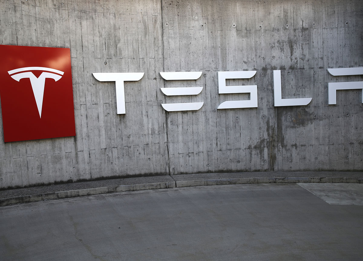 Tesla Agrees to Buy LGBatteries for Vehicles Made in China