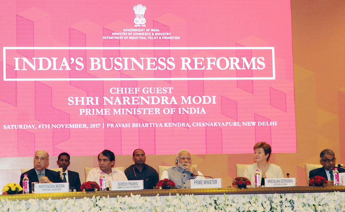 Prime Minister Narendra Modi chairs a session on India's Business Reforms, at the Pravasi Bhartiya Kendra in New Delhi, on Nov. 4, 2017. (Photograph: PIB)