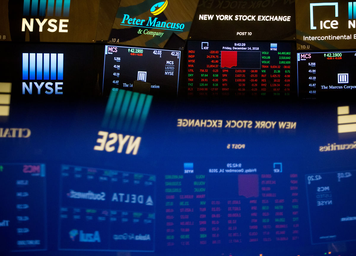 U.S. Stocks Tumble, Bonds Surge on Virus Fears: Markets Wrap