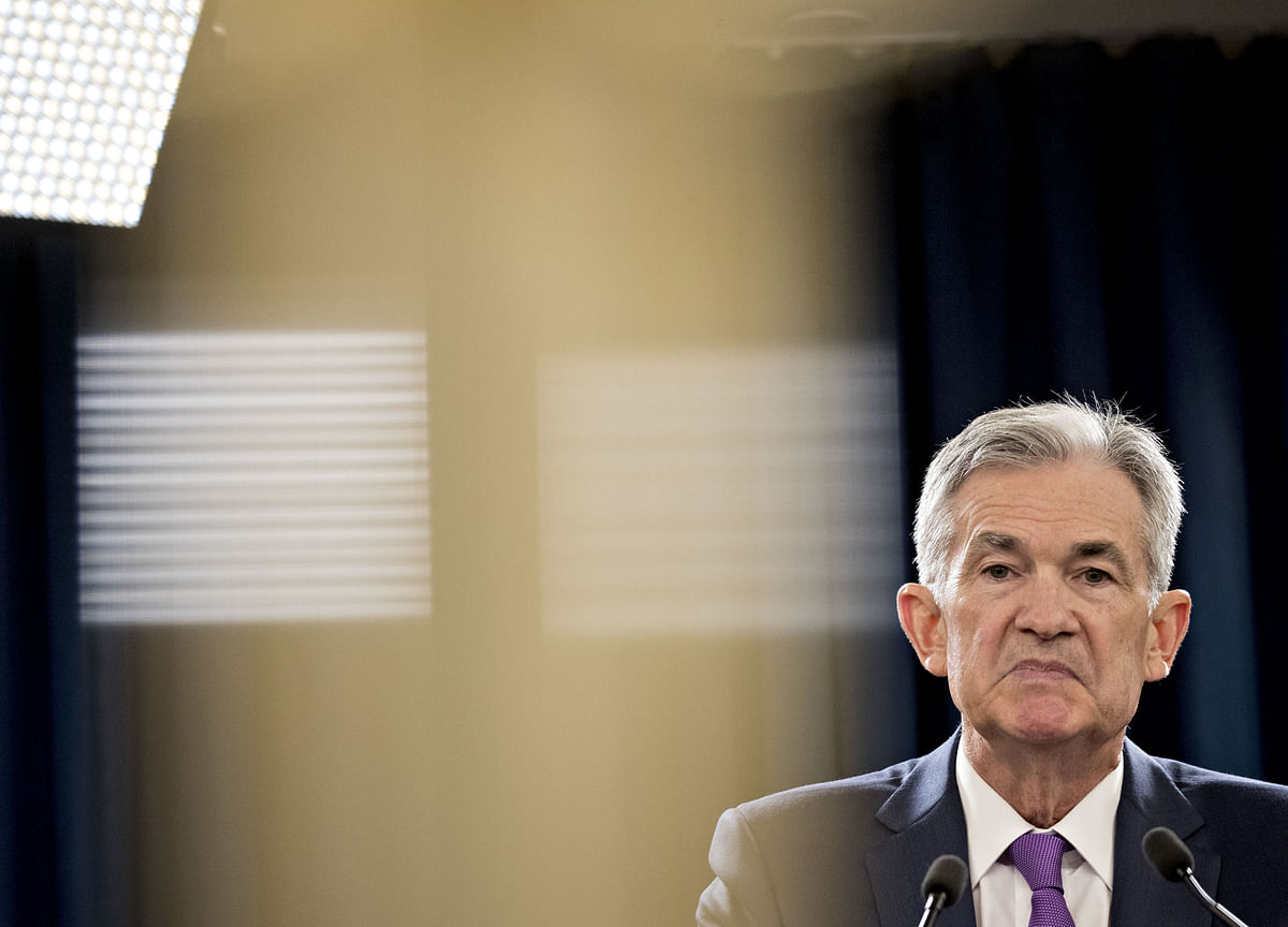 Fed's No-Win: Balancing Growth and Market Fragility