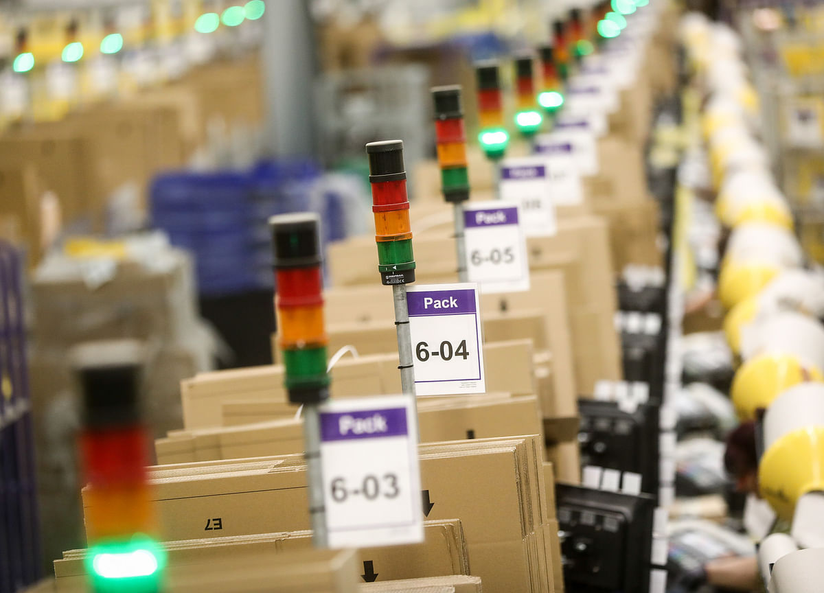 Traders' Lobby Says Big Retailers Like Reliance Can't Sell Private Labels Online