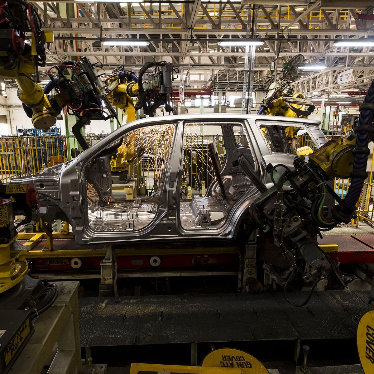 Auto Sales Slump In April On Fresh Covid-19 Curbs
