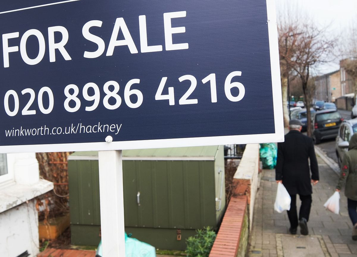 Asking Prices for London Homes Slump to Lowest Since 2015
