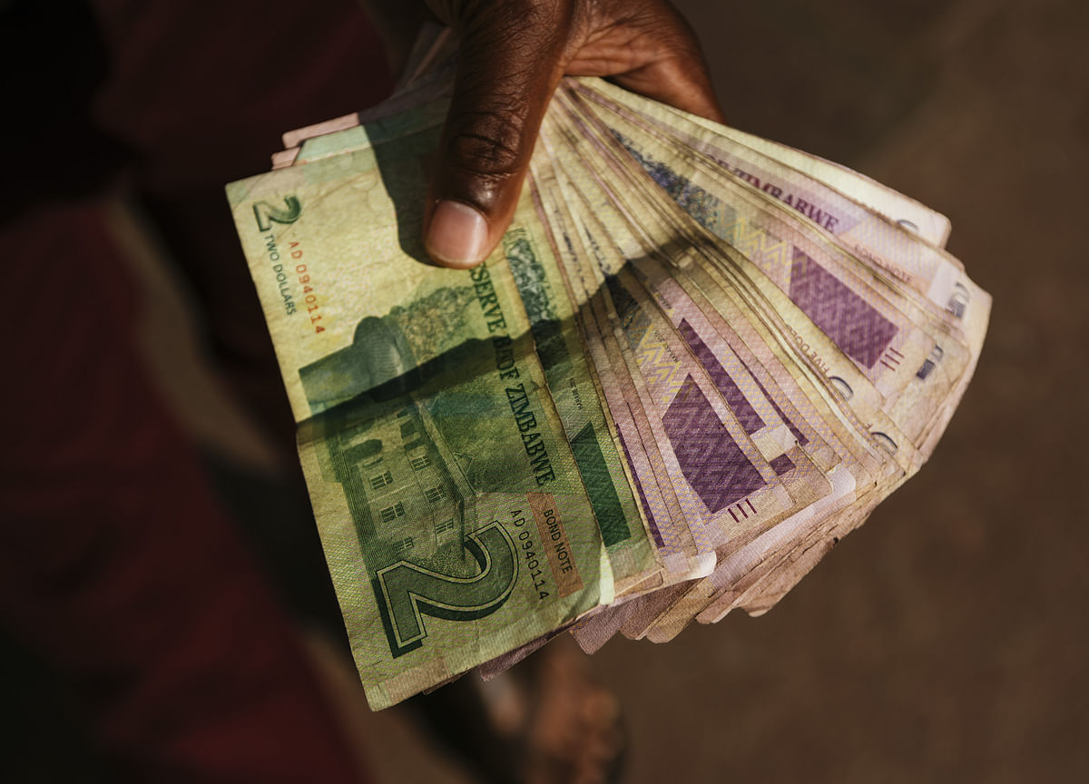 South Africa Is Said to Help Zimbabwe With Debt-Clearance Talks