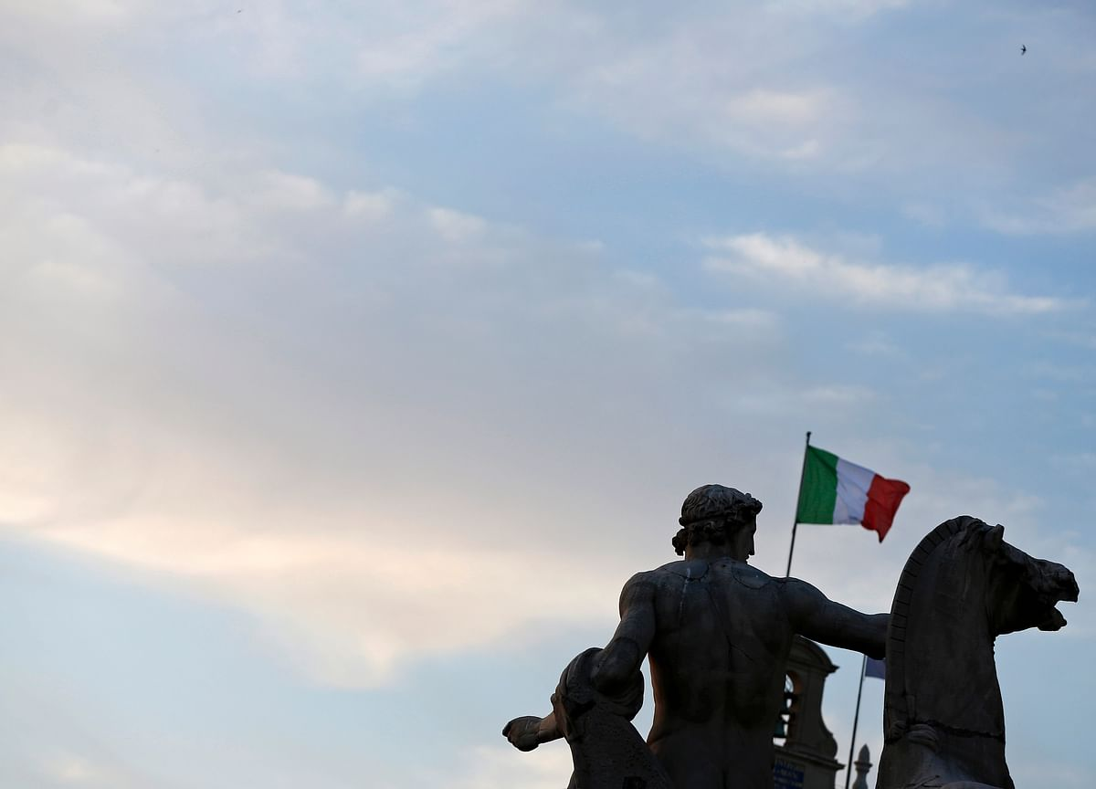 Italy Cuts 2019 Deficit Goal to 2% in Bid to Avoid EU Censure