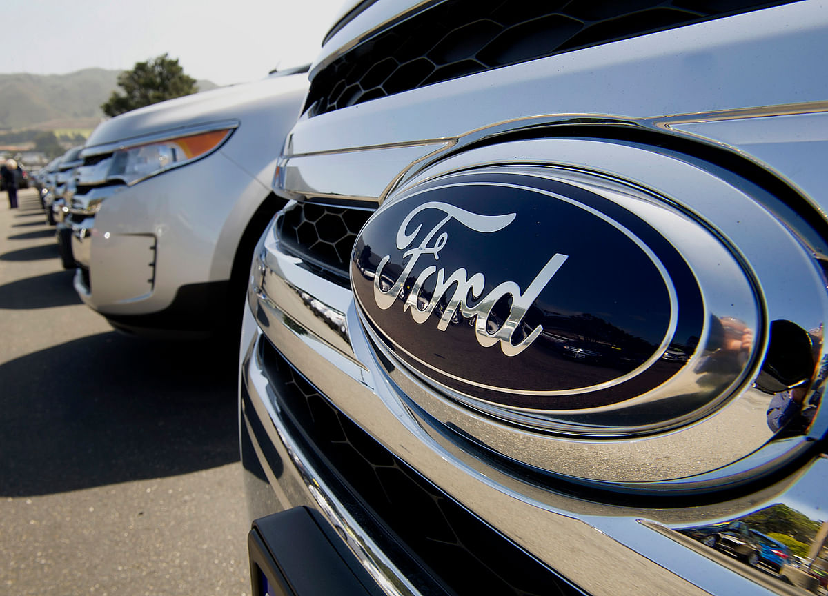 Ford Cut to Junk as Moody's Doubts Hackett's Turnaround Bid