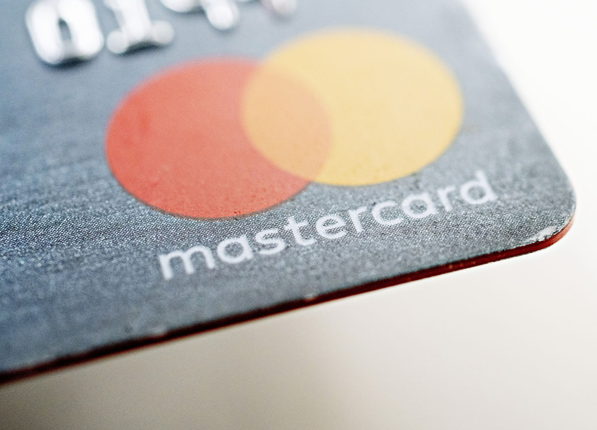 RBI Bars Mastercard From Taking On New Customers In India