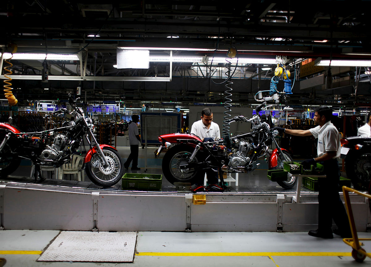 Workers Want Work Halted At Bajaj Auto's Waluj Plant After 400 Covid Cases Detected