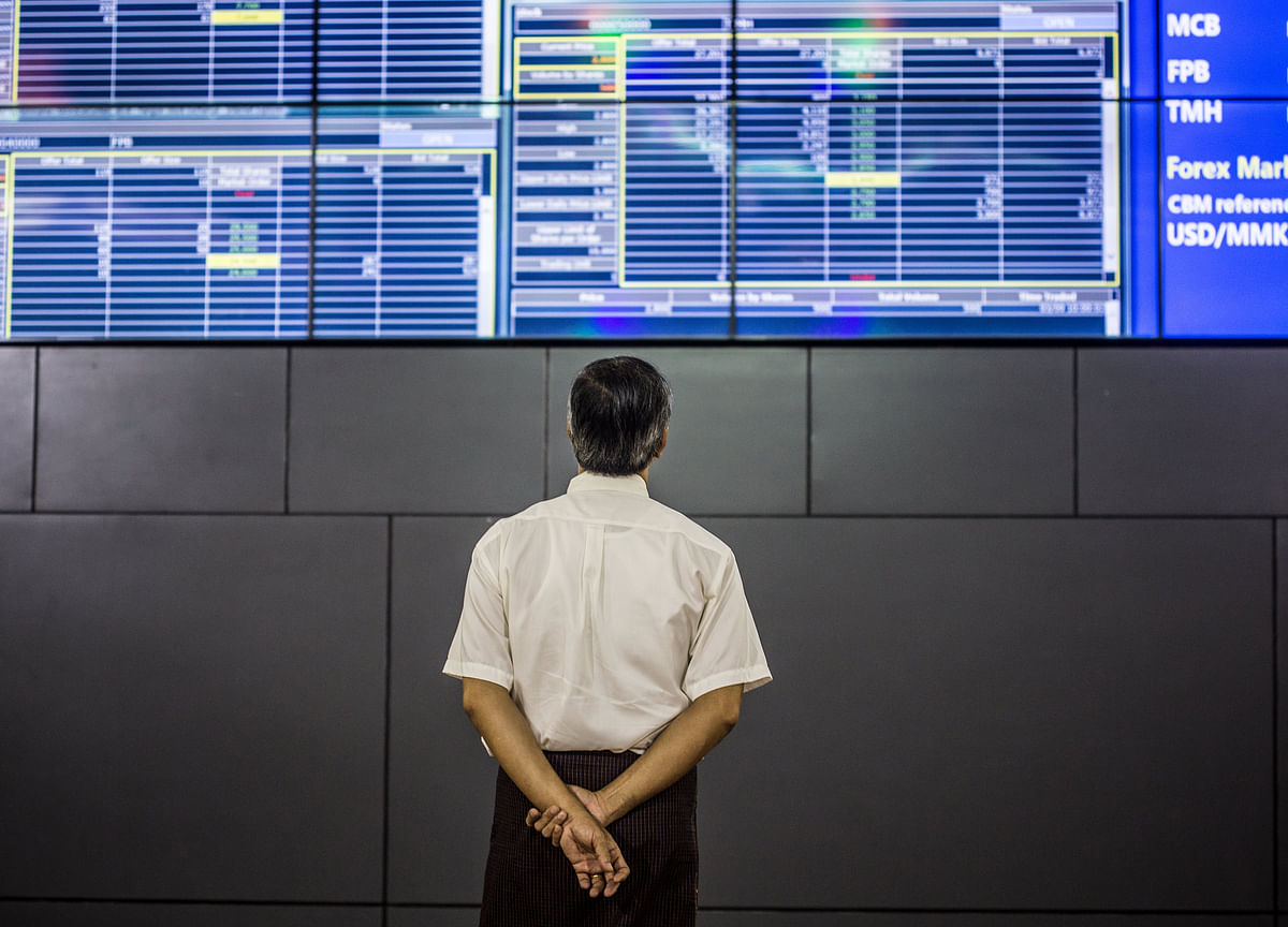 Bulls Rush in as FOMO for Asia Stocks Builds on Trade Optimism
