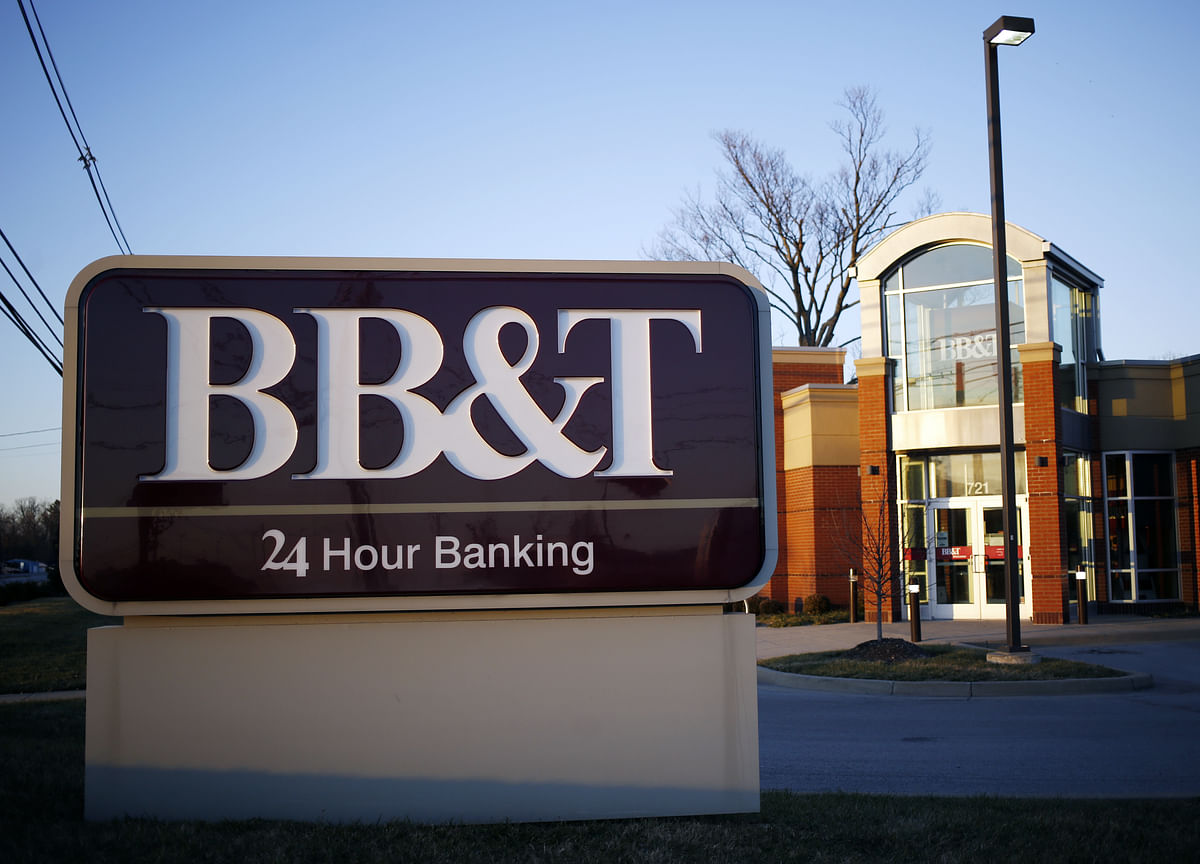 BB&T to Buy SunTrust in Biggest Bank Merger in a Decade