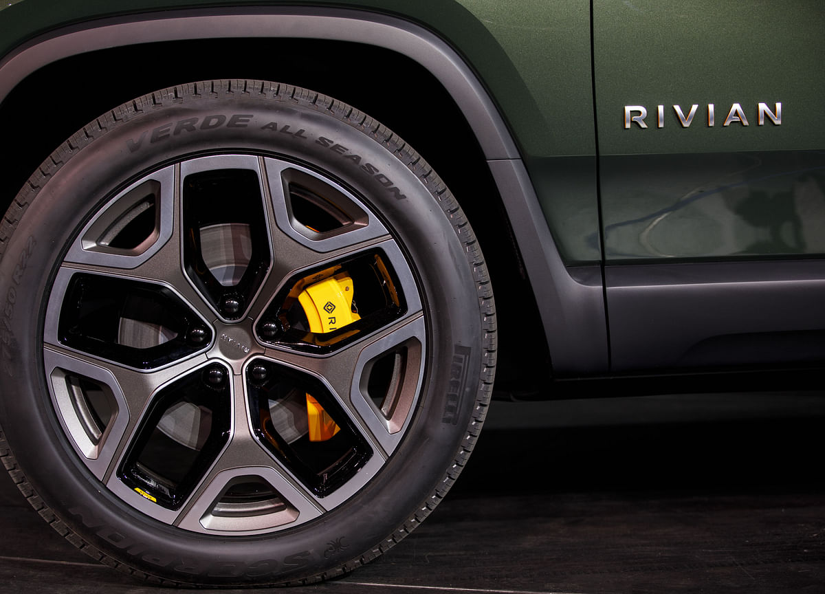 GM, Amazon Discuss Backing Electric Truck Maker Rivian