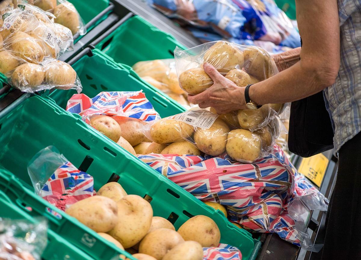 U.K. Inflation Below Target Gives BOE Brexit Breathing Space