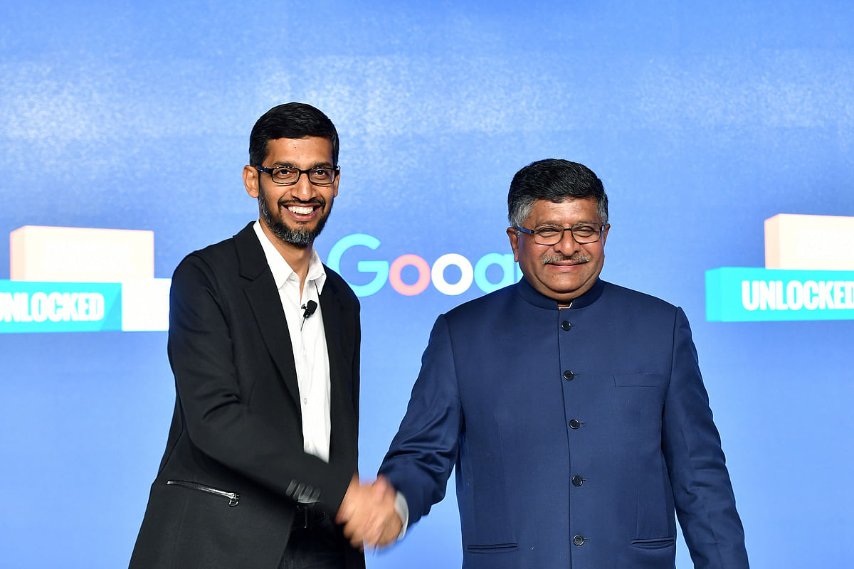 Google CEO Sundar Pichai with with India's Law and IT Minister Ravi Shankar Prasad, in New Delhi. (Photographer: Anindito Mukherjee/Bloomberg)