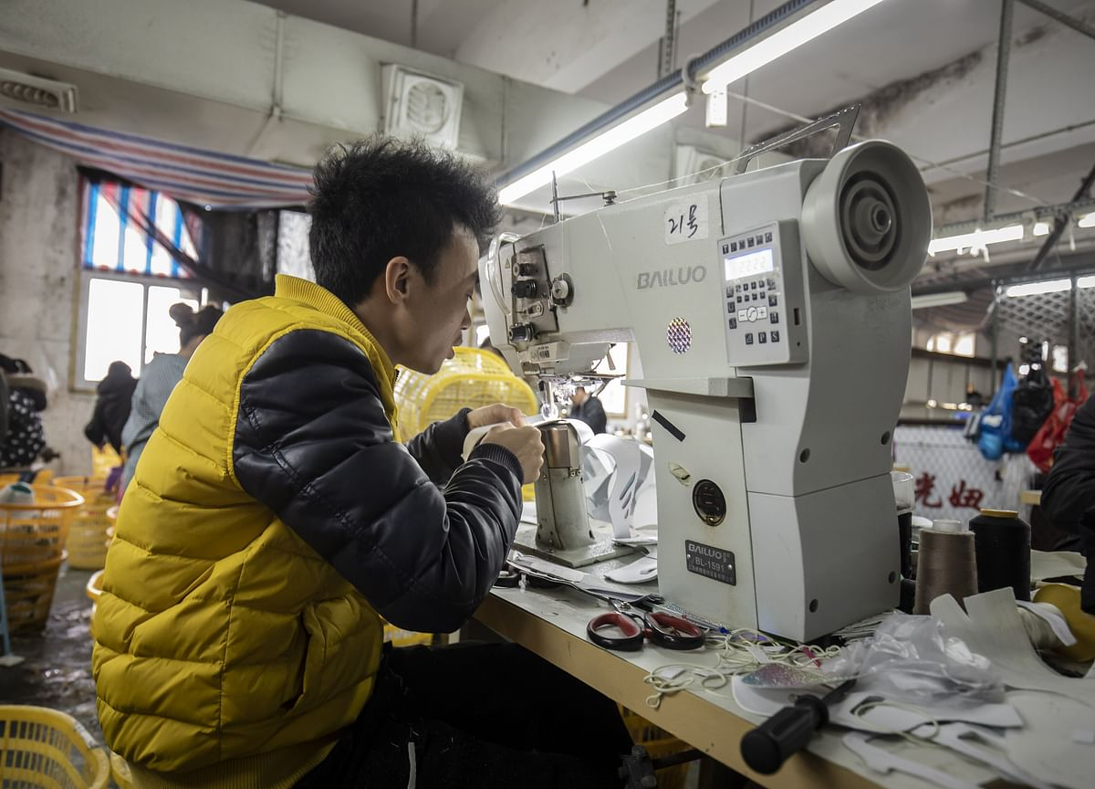 China Plans $90 Billion Cut in VAT for Manufacturers