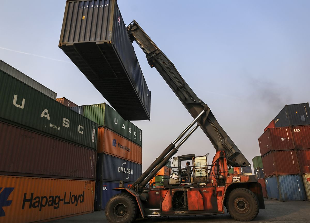 India Trade Deficit Narrows Sharply to Lowest in 17 Months