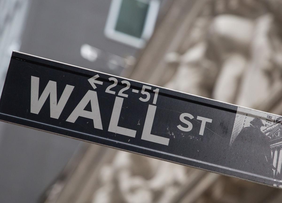 Tech Stocks Rally, Industrials Slump on Earnings: Markets Wrap
