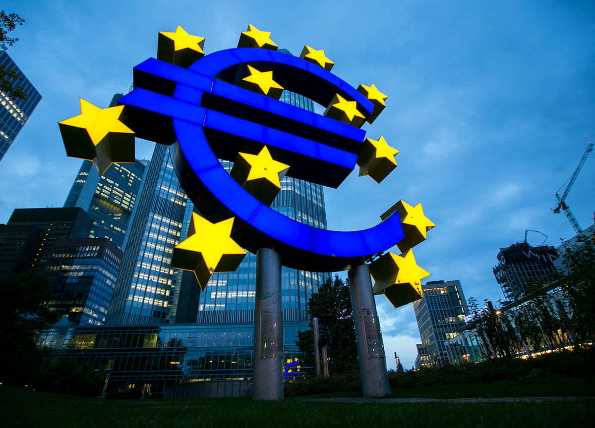 ECB Keeps Stimulus Steady as Economy Grapples With Longer Curbs