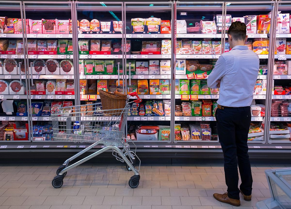 Euro-Area Inflation Slows as Core Gauge Reaches 11-Month Low