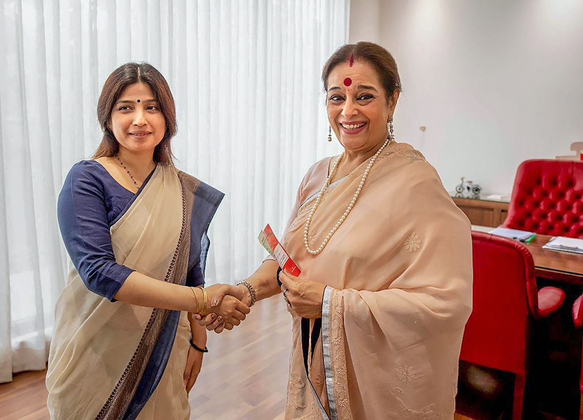 Election 2019: Shatrughan Sinha's Wife Poonam Joins Samajwadi Party
