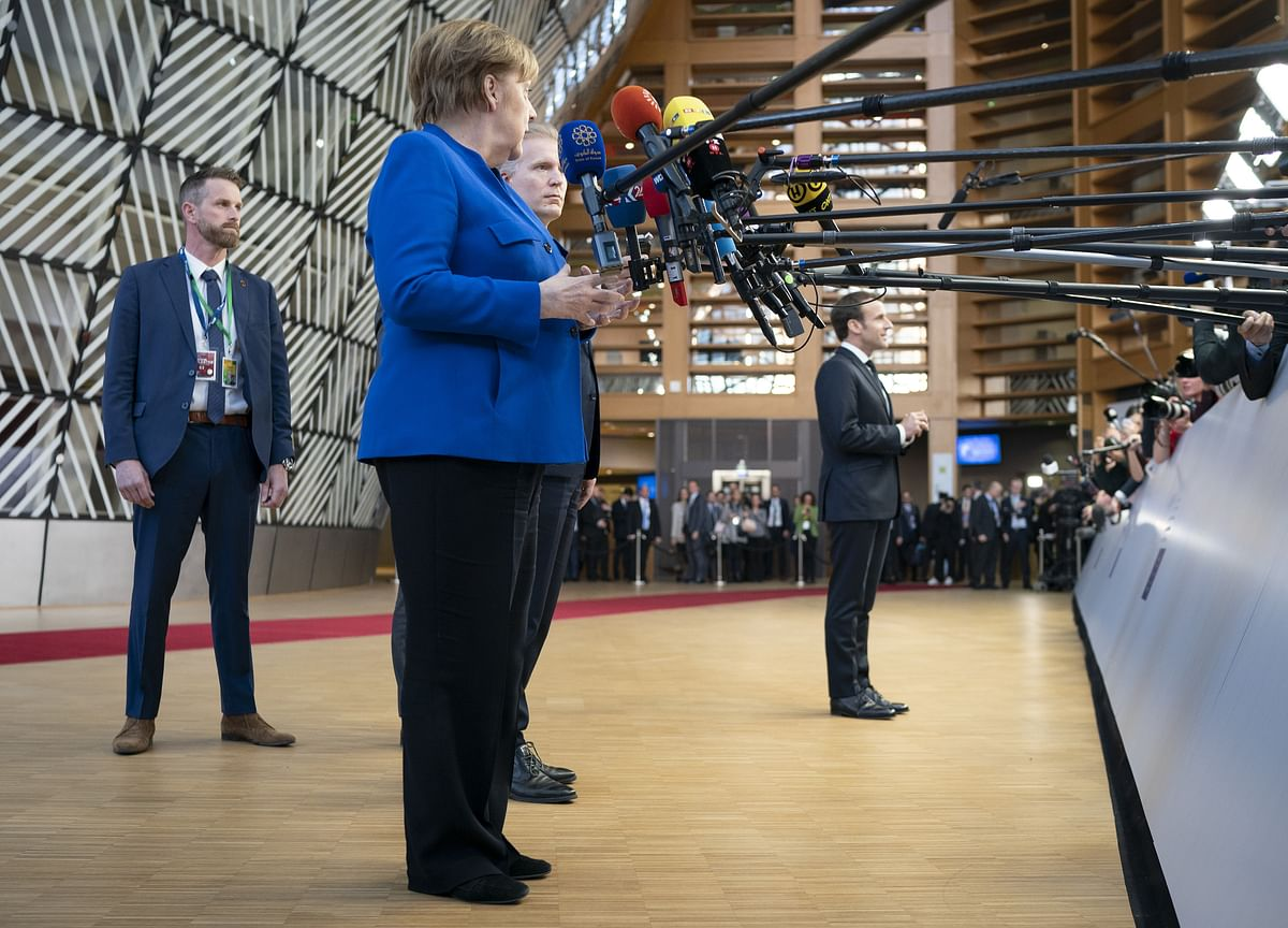 Europe's Risk of Paralysis in Slowdown Puts Germany on the Spot