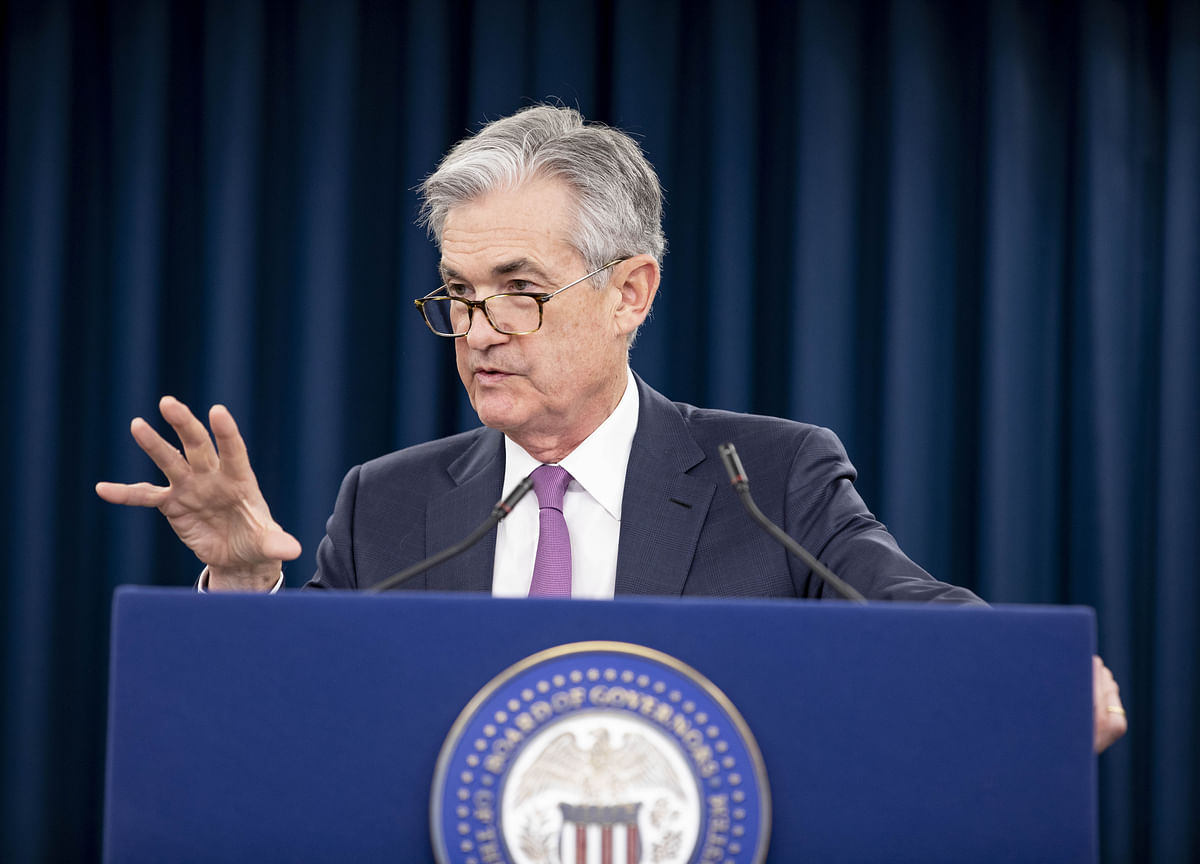 Powell Says Leveraged Lending Isn't Posing a Crash Threat