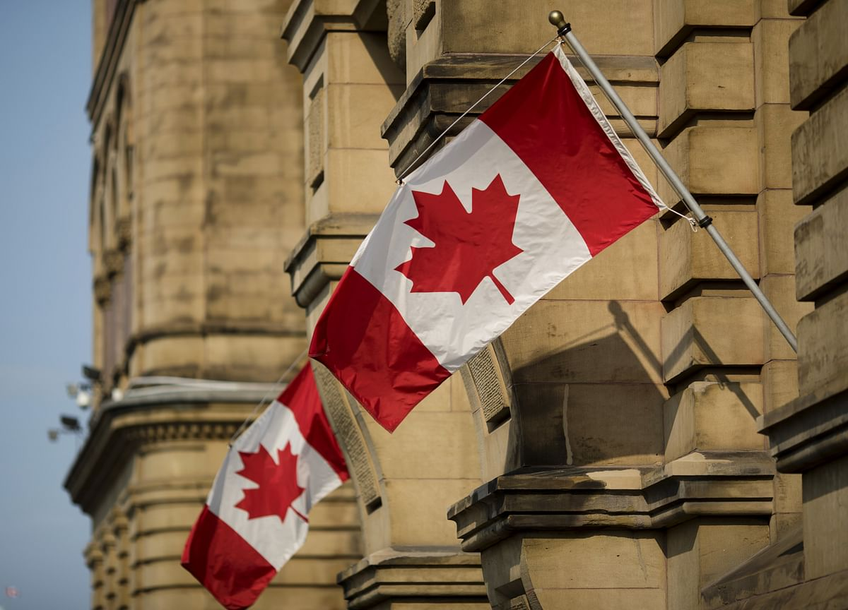 Canada Posts Unexpected Trade Surplus on Record Exports to U.S.