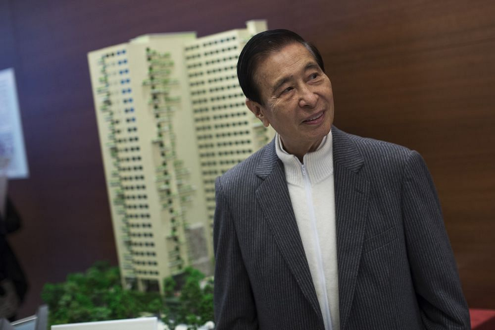Hong Kong's Second-Richest Man Joins Aging Tycoons in Retirement
