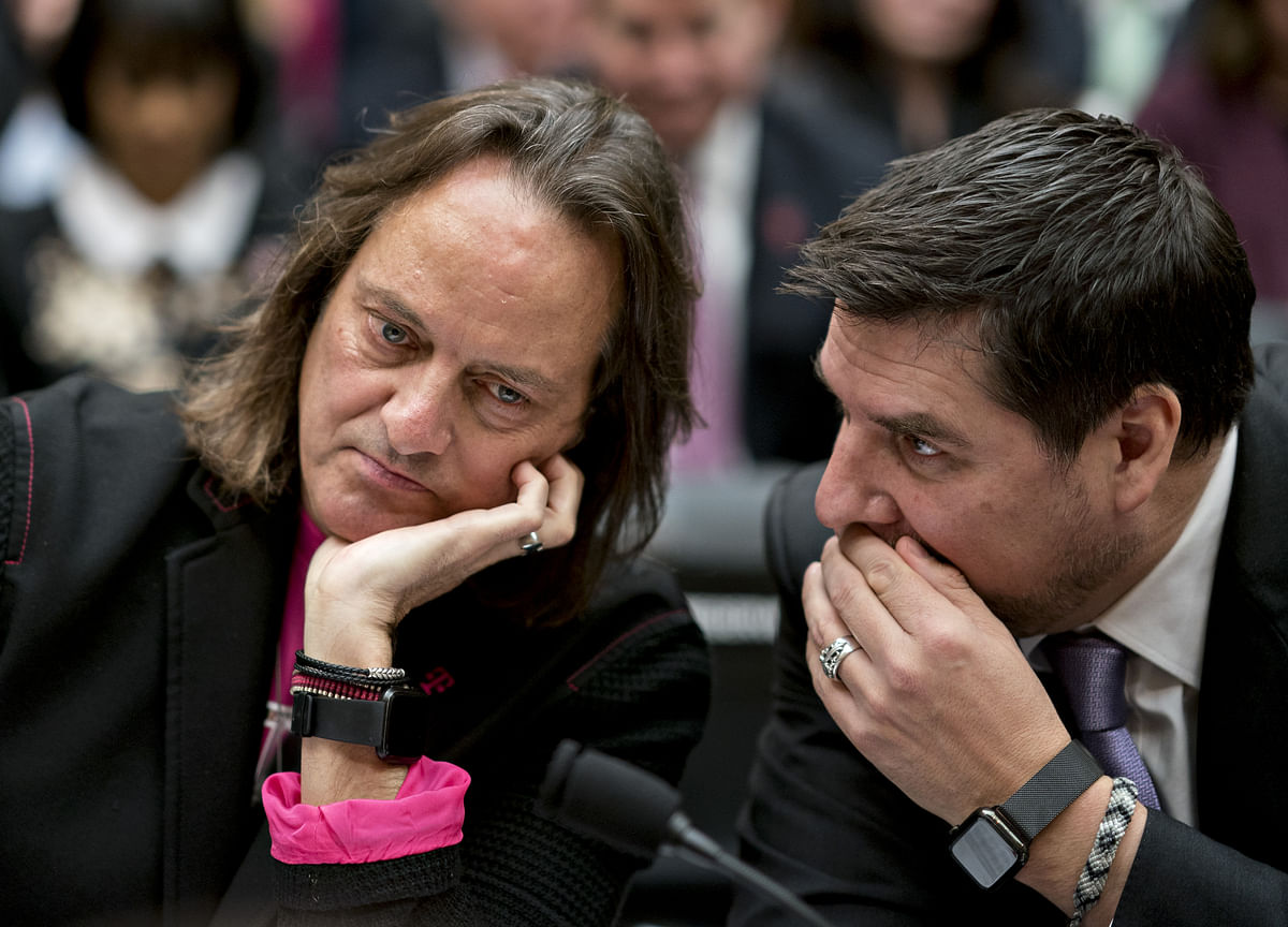 T-Mobile and Sprint Consider Concessions to Save Their Merger