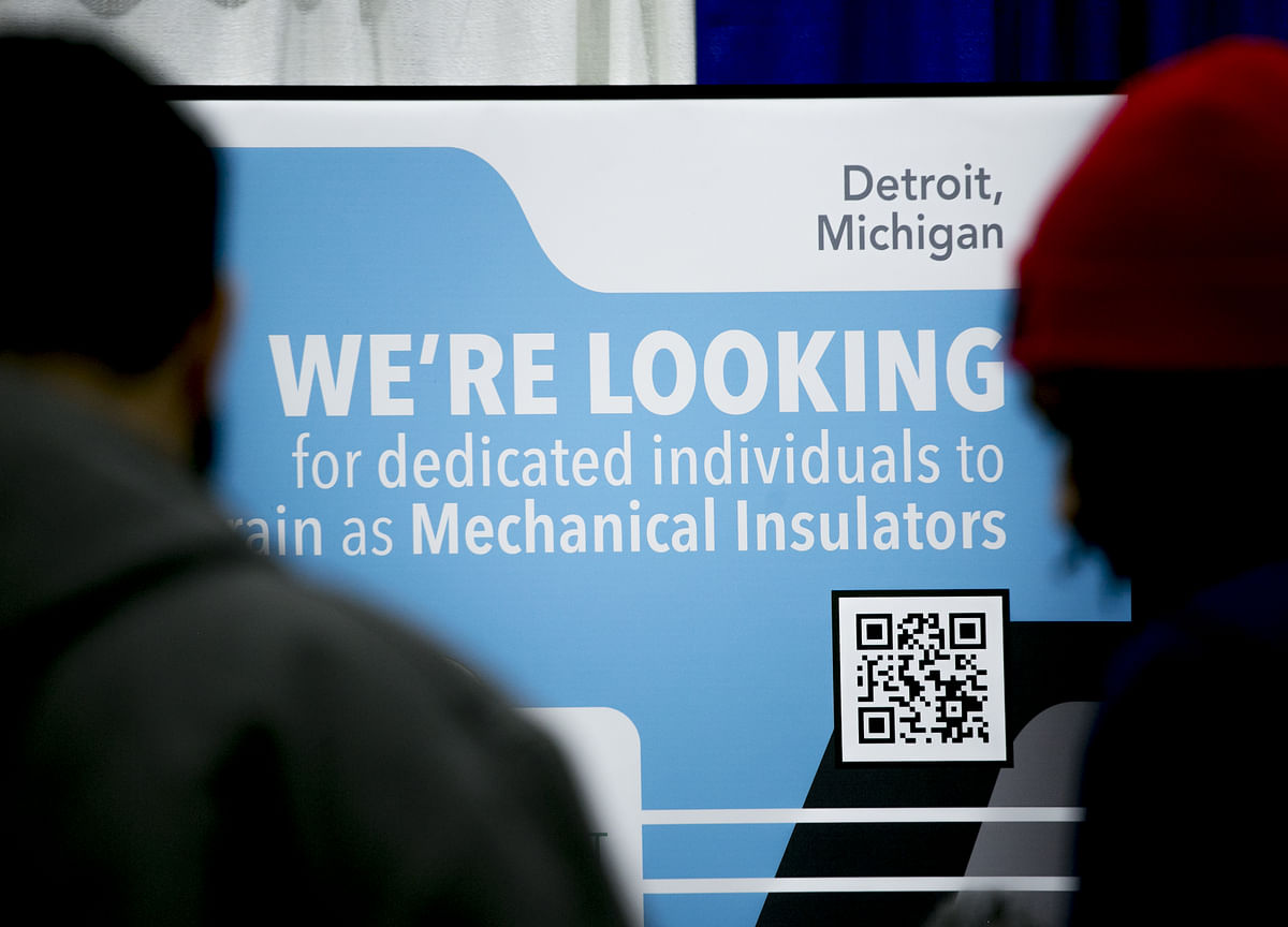 U.S. Jobless Claims Hit Five-Week Low Amid Tight Labor Market