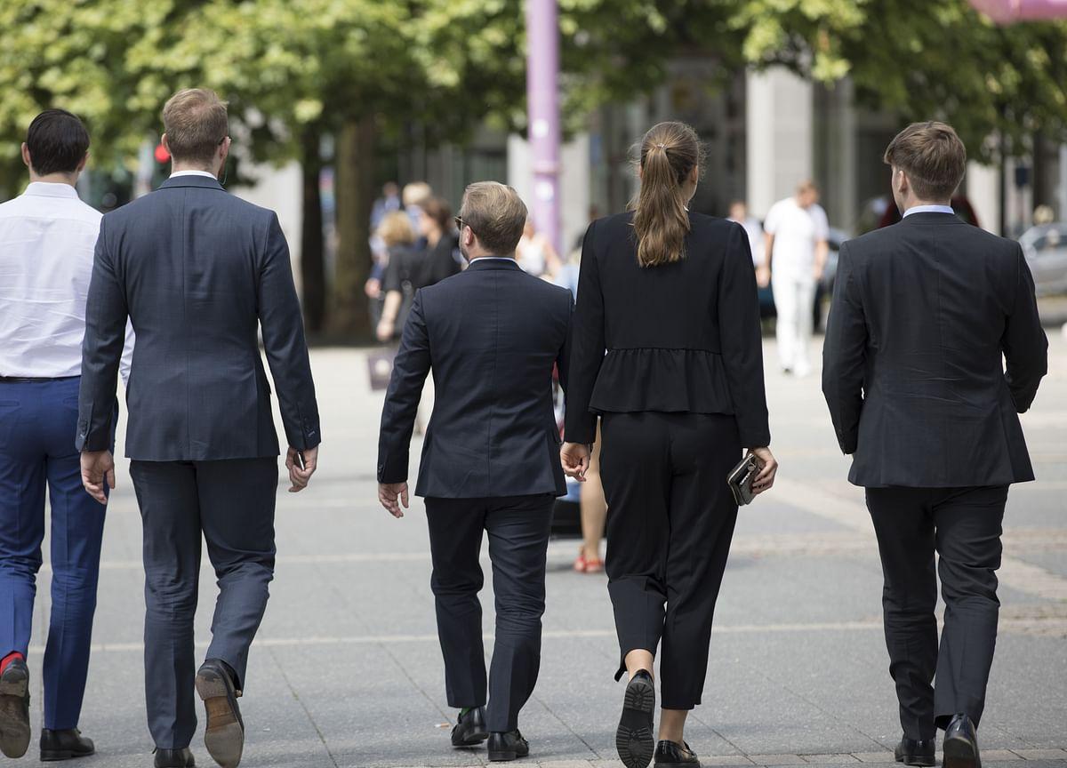 Banks Face U.K. Grilling in Probe Over Big Gender Pay Gaps