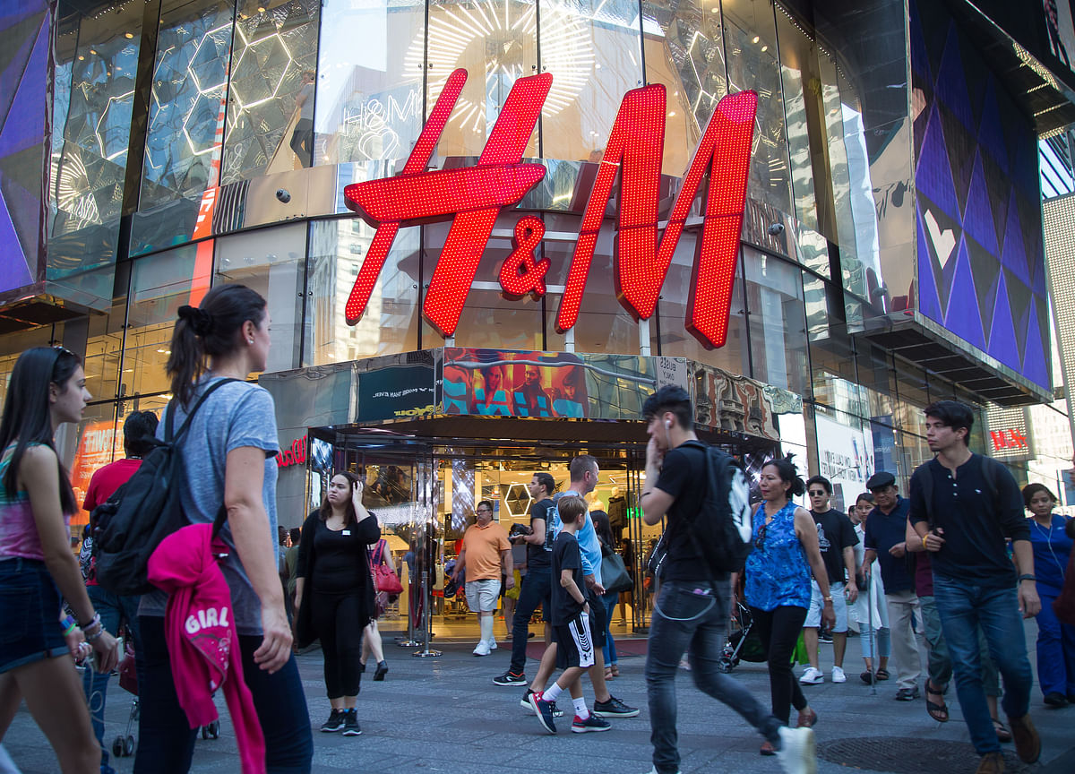 H&M Stops the Presses, Shreds its Print Catalog After 39 Years