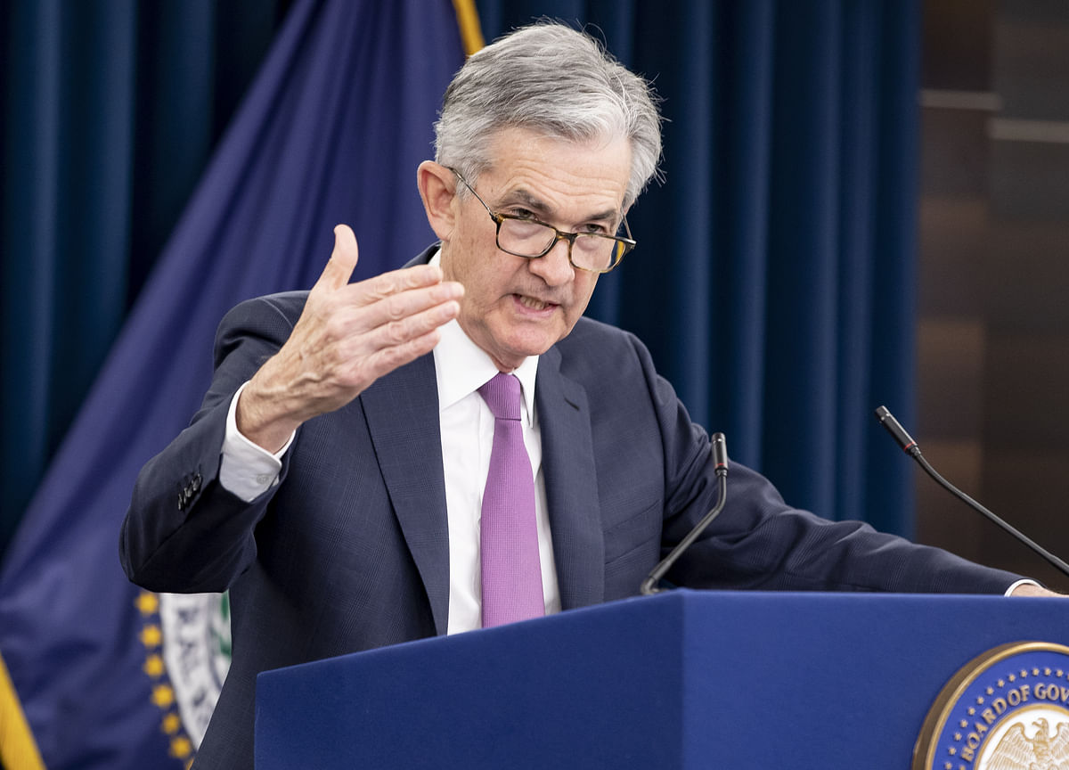 Powell Brushes Aside Rate-Cut Pressure With Confidence on Prices