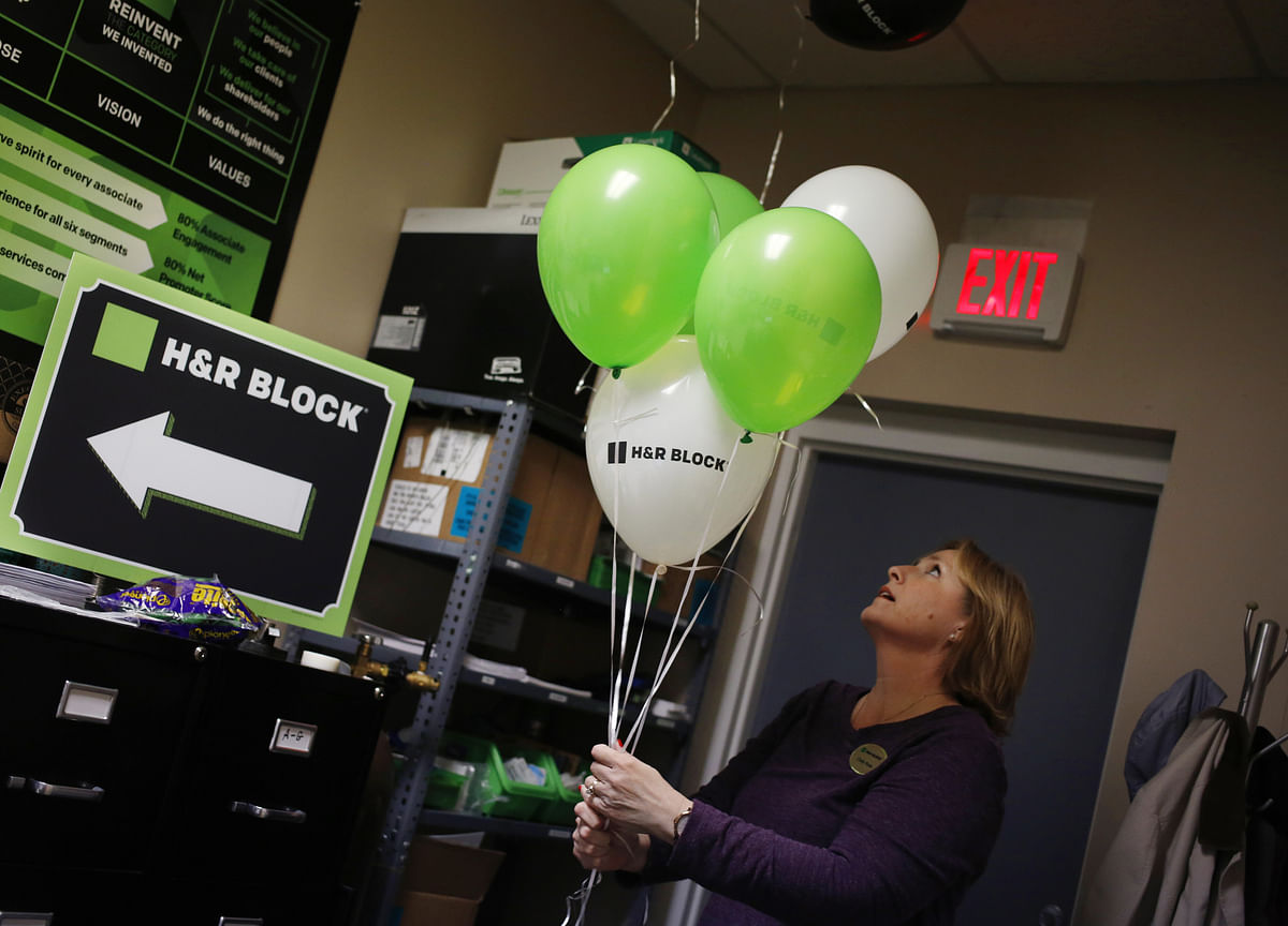 Helium Shortage Is Hurting Parties and the Pharma Industry