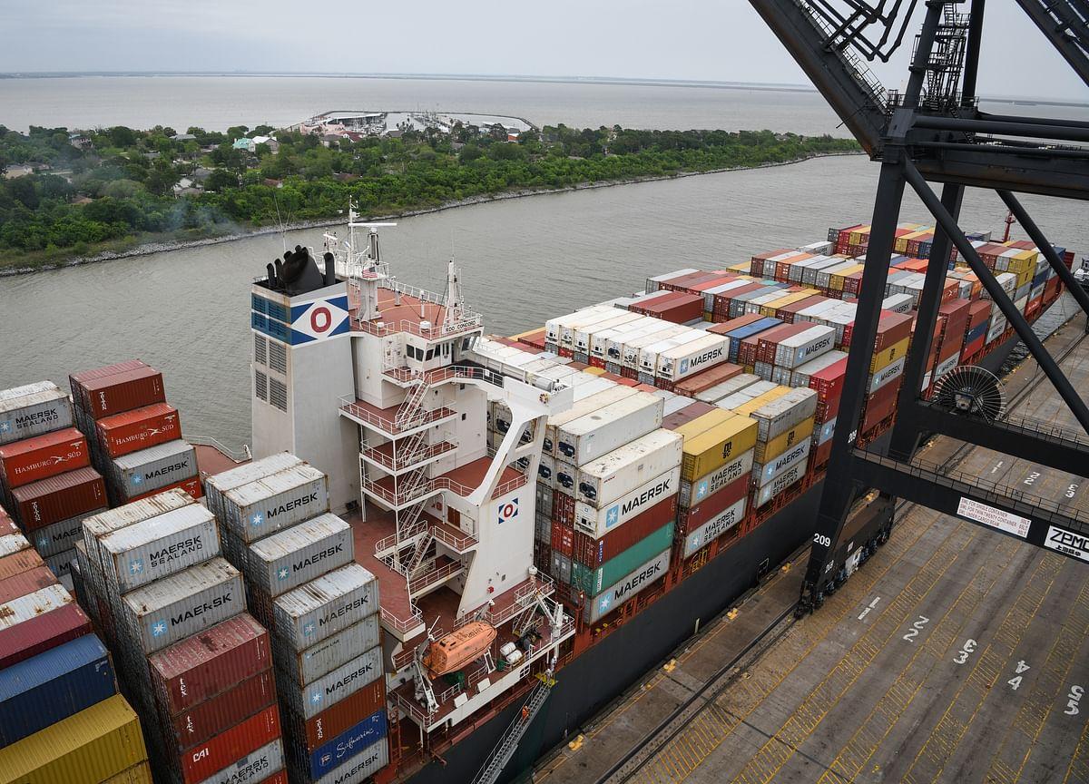 Exports, Imports Both Plummet as U.S. Trade Deficit Narrows