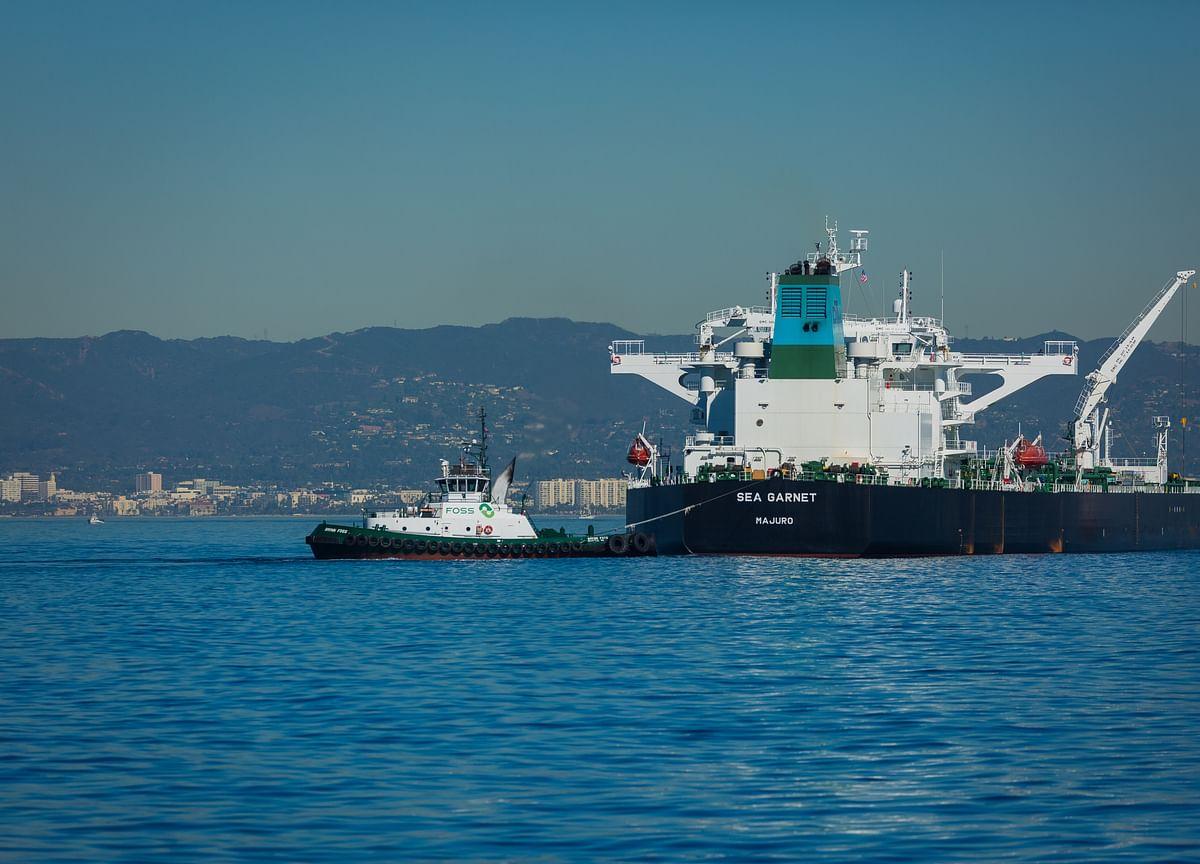 Trump Questions U.S. Defense of Oil in Strait After Iran Attacks