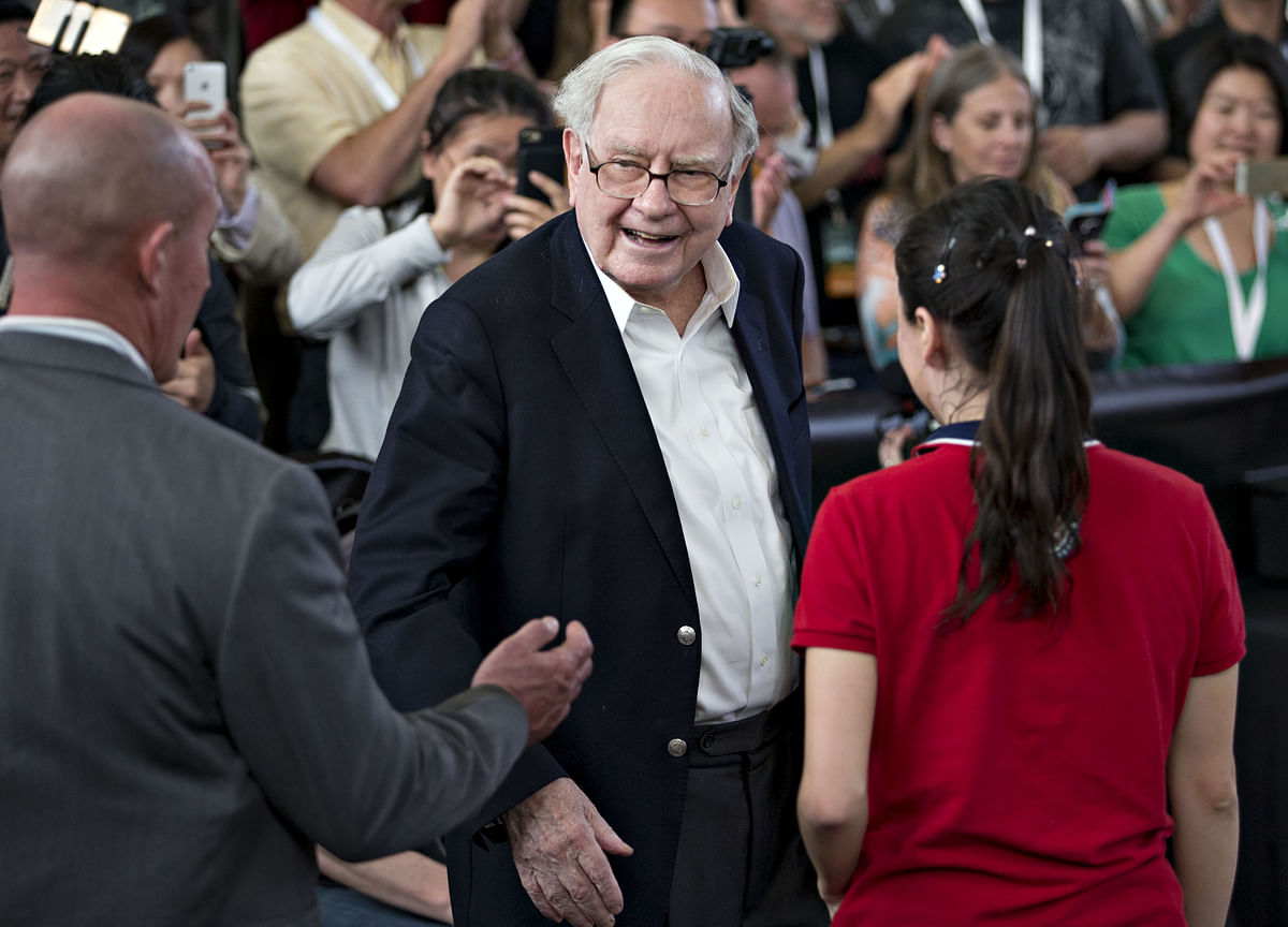 Warren Buffett's Charity Auction Bidding Surges Past $4 Million Level