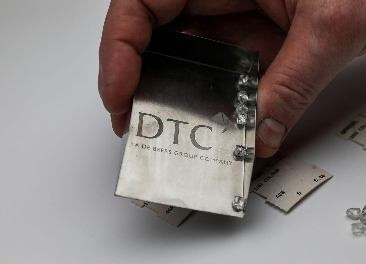 De Beers Diamond Sales Plunge Again