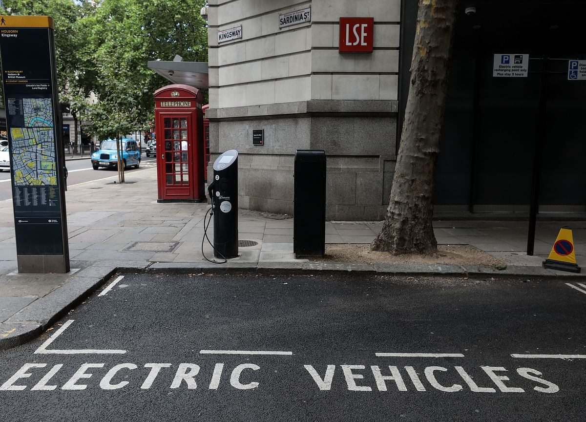 London Is Pushing Its Motorists Toward Using Only Electric Cars